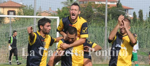 2723 TORVAIANICA Seconda Categoria AQUILANI esultanza gol